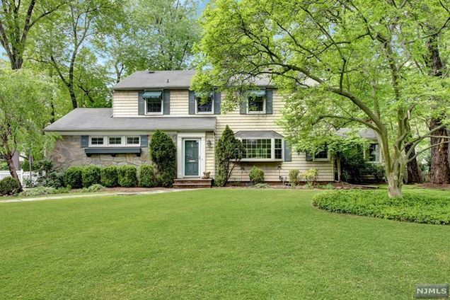 Charming 15 West Dr