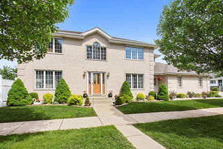 6762 West 89th Place