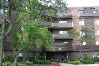 840 WELLINGTON Avenue Unit 506
