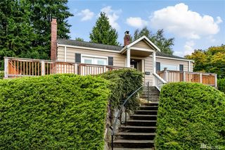 2609 37th Ave W