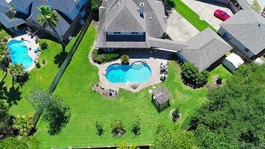 1603 Crescent Point Drive
