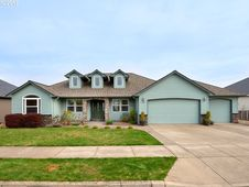 2684 NW PINOT NOIR DR
