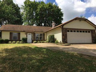 6125 Belle Forest