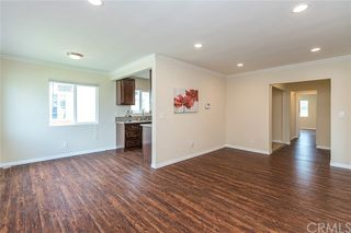 1104 W 129th Place