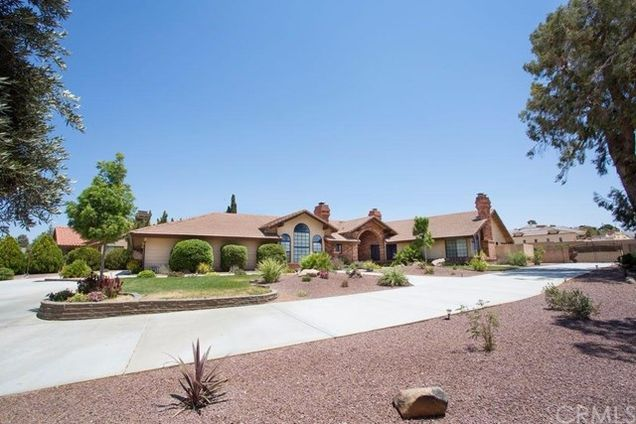 12915 Valley View Court